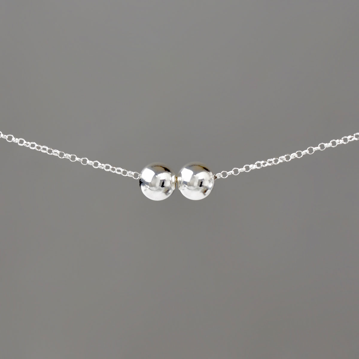 Large Silver Balls on Silver Rolo Chain Necklace